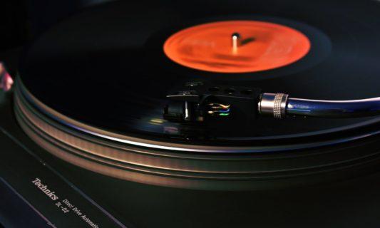 Séance d'écoute commentée par DJ Rebel